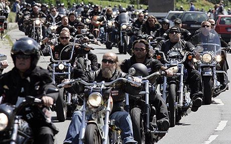 Bikers Block Westboro Baptist Church From Protesting Newtown Funerals