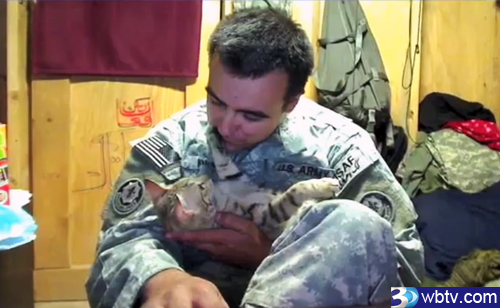 Oregon Soldier Saves Cat From Afghanistan (VIDEO)