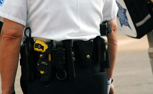 Police Taser 11-Year-Old Autistic Girl Found Wandering Naked on Highway (VIDEO)