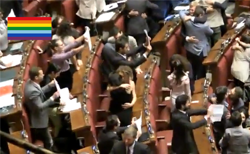 Italian Lawmakers Stage Same-Sex Kissing Session In Protest Of LGBT Discrimination (VIDEO)
