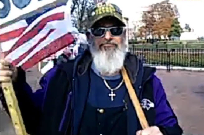 'Hang The Lying Kenyan Traitor'…Latest Tea Party Protest At The White House (VIDEO)