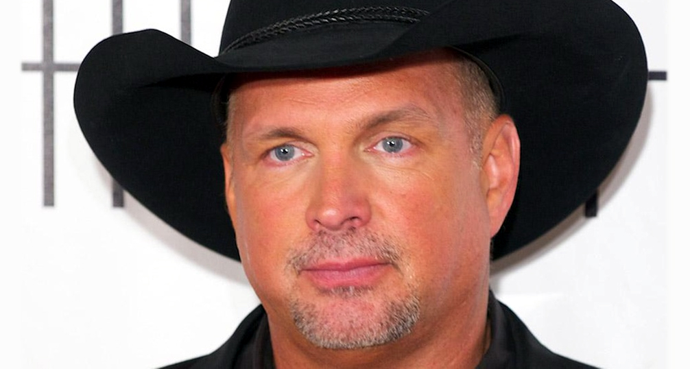Garth Brooks 'Fully Supports' Obama: 'It's Got To Be Hell' To Be President – VIDEO