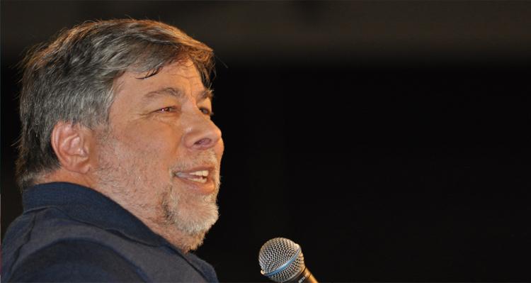 Apple Co-Founder Steve Wozniak – Edward Snowden Is 'A Hero'