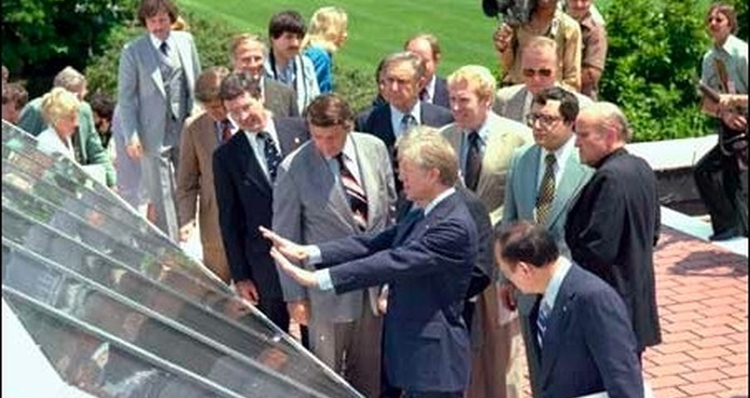 President Carter First To Use Solar Panels On The White House In 1979 – Guess Who Took Them Down?