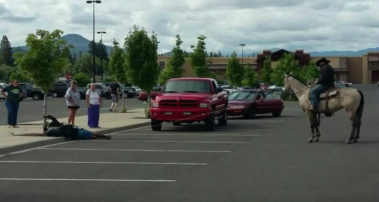 Would Be Thief Lassoed in Walmart Parking Lot (Video)