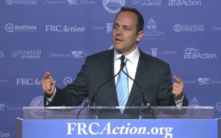 Kentucky Governor Suggests Patriots May Have to 'Shed Blood' If Clinton Is Elected