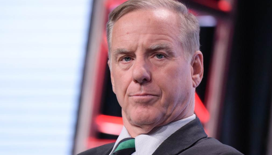 Howard Dean Rallies Online Progressives With Plan To 'Destroy' Breitbart