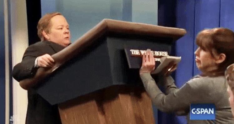 Watch Melissa McCarthy's Brutal Take Down Of White House Press Sec. Sean Spicer – Video