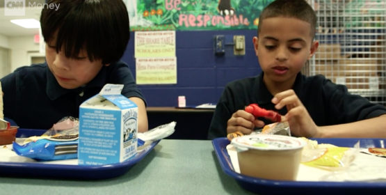 Dad Raises Nearly $25,000 To Pay Off Seattle School Lunch Debt – Video