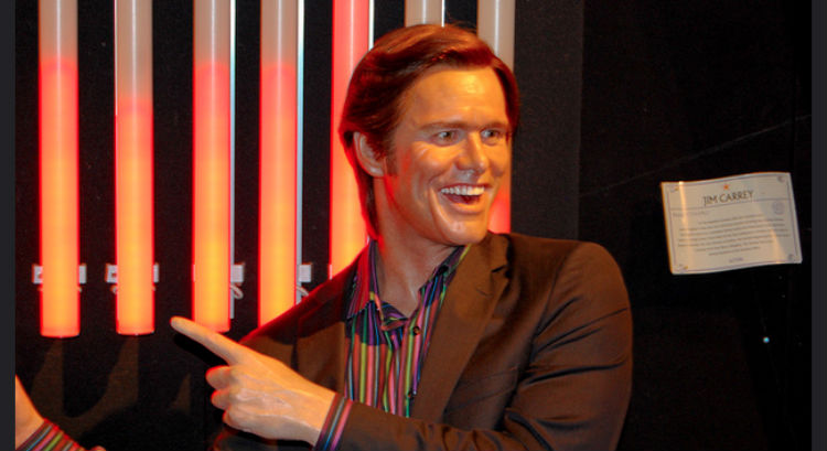 Jim Carrey Uses Twitter To Kick Trump's Prodigious A**