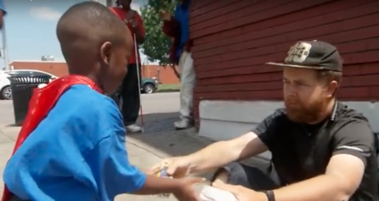 4-Year-Old Superhero On A Mission To Feed The Homeless – Video