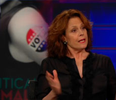 Jon Stewart discusses 'Political Animals' with Sigourney Weaver