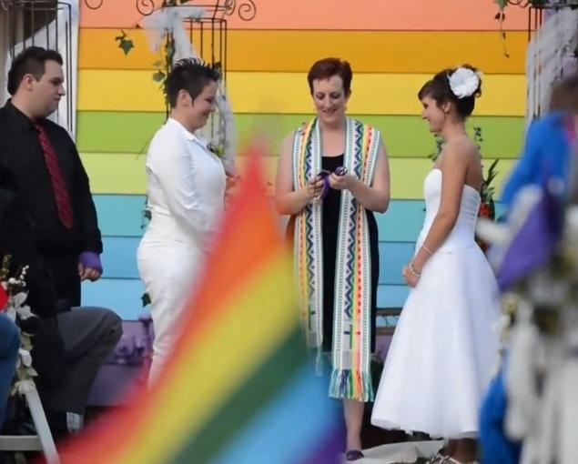 Lesbian Couple Weds Across The Street From Westboro Baptist Church (VIDEO)