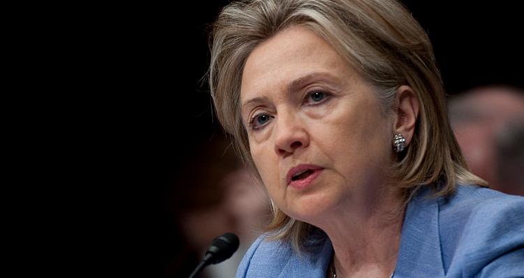 Elizabeth Warren: Hillary Clinton Chose Wall Street Over Women And Children (Video)