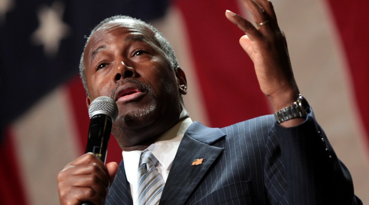 Ben Carson's Advisers Admit The GOP Front Runner Has A Big Problem