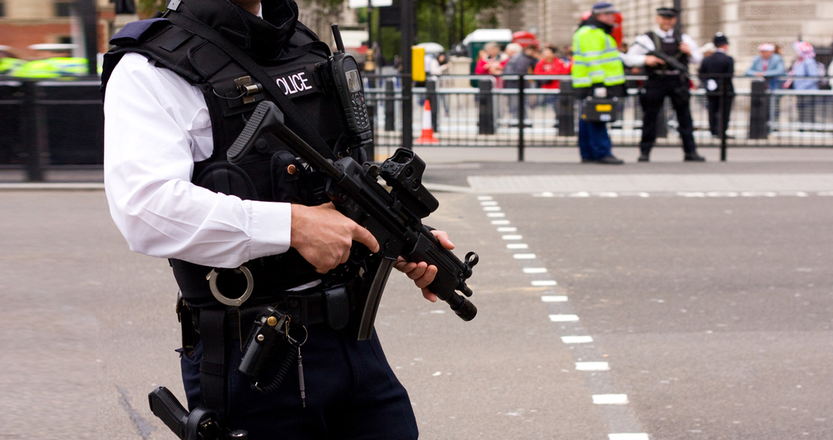 Trigger-Happy Cops In The USA – Police In Britain Fired Their Guns Just 7 Times Last Year