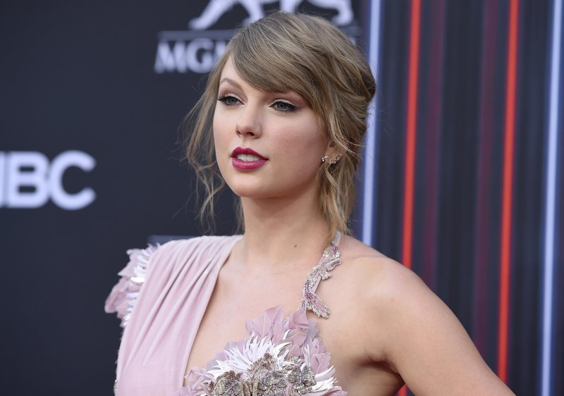 Neo-Nazis Lose Their Sh*t After 'Traitorous' Taylor Swift Endorses A Democrat